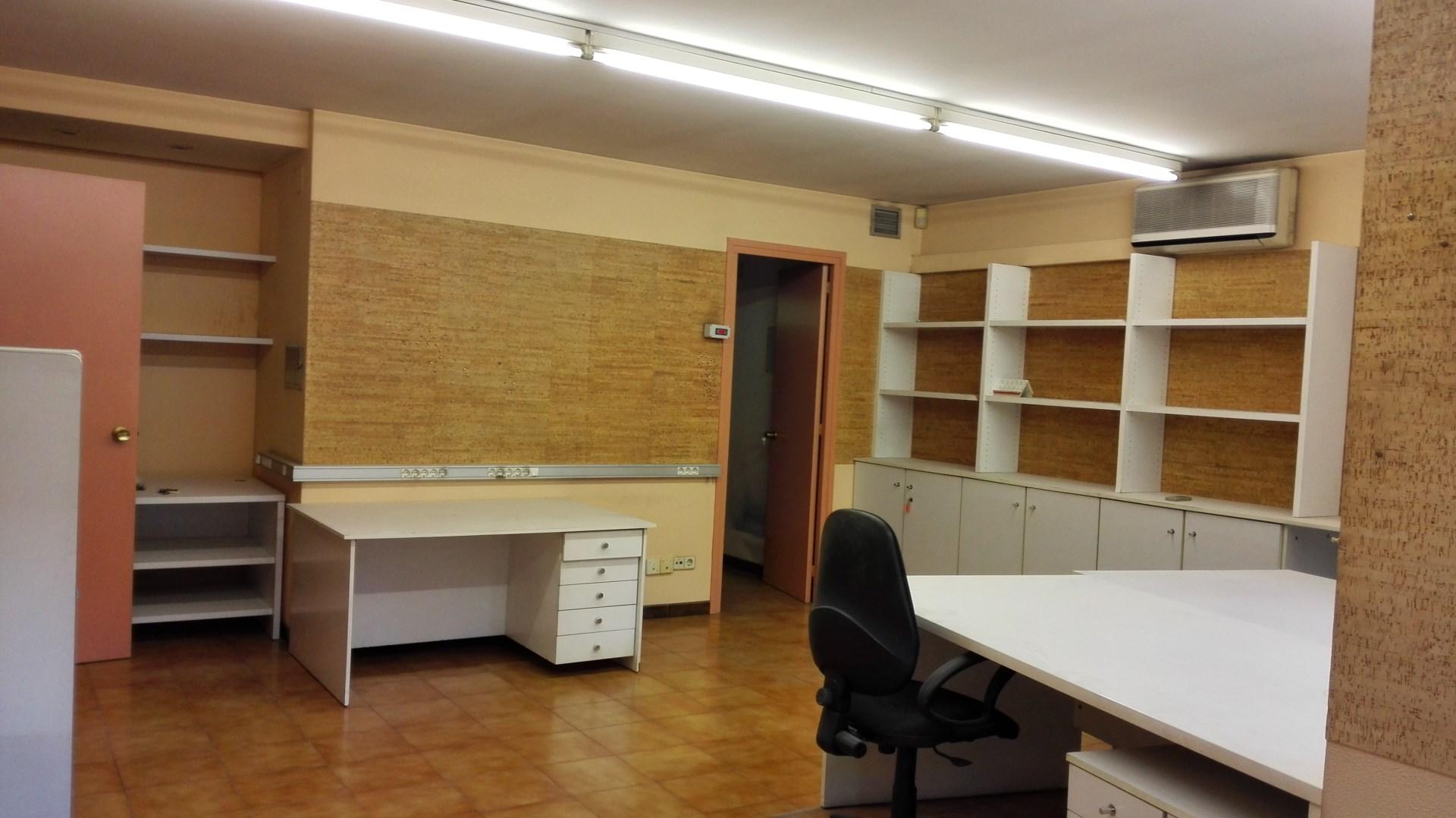 Oficina olot girona garrotxa activa for Oficina de extranjeria girona